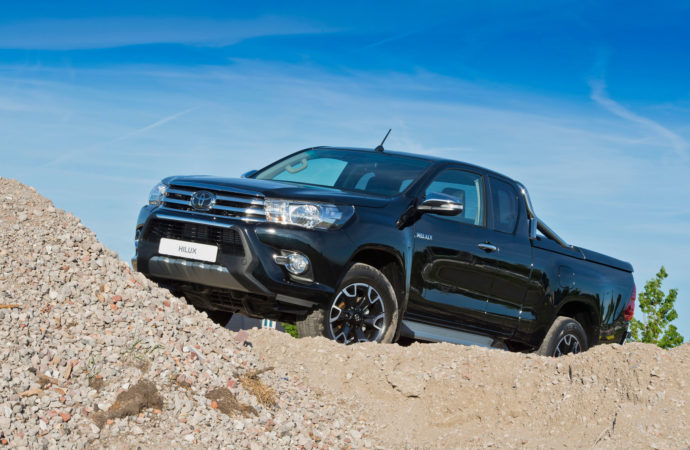 Introductie Black Platinum Toyota Hilux