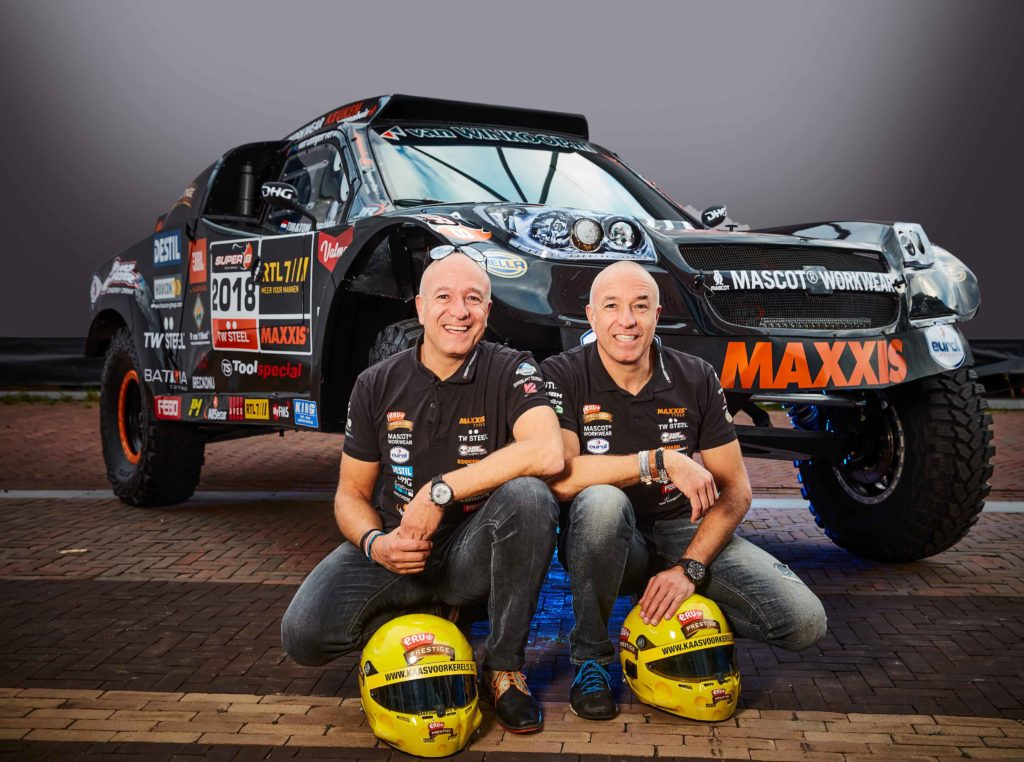 Tim en Tom Coronel in 'The Beast' naar Dakar-rally