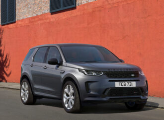 Black Edition Land Rover Discovery Sport
